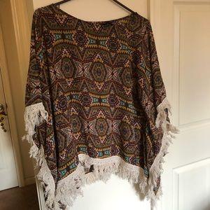 Boho lightweight shawl poncho w fringe